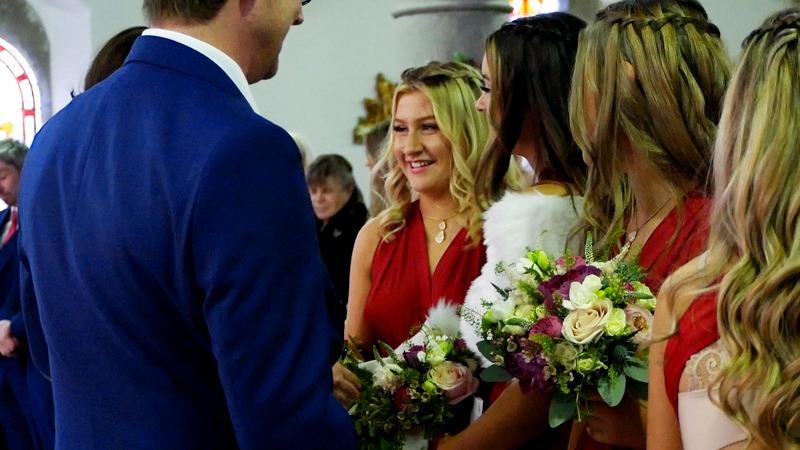 bridesmaids-smiling